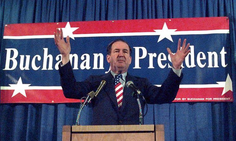 'Pat Buchanan riep in 1992 de partij op om de belangen van de middenklasse te verdedigen die het economisch moeilijk had.' Beeld afp