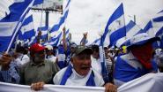 """Duizenden Nicaraguanen betuigen steun aan ontslagen artsen die gewonde betogers behandelden: """"Misdadig om toegang tot medische zorg te weigeren"""""""