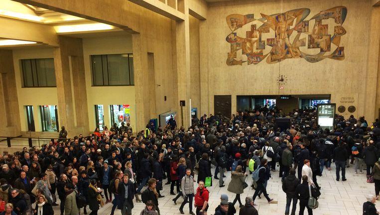 Pendelaars in station Brussel Centraal.