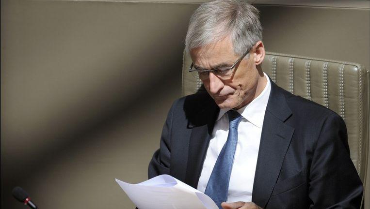 Onder minister Bourgeois is het aantal Vlaamse ambtenaren voor het eerst gedaald.