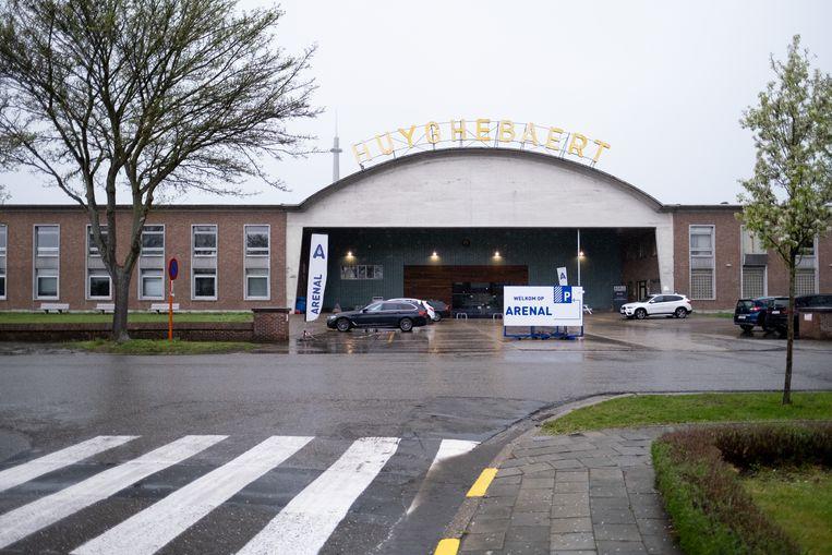Huyghebaert aan Mechelen-Zuid.