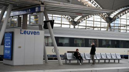 Twintiger weigert mondmasker te dragen in station en geraakt slaags met veiligheidsagent: parket vraagt vier maanden cel