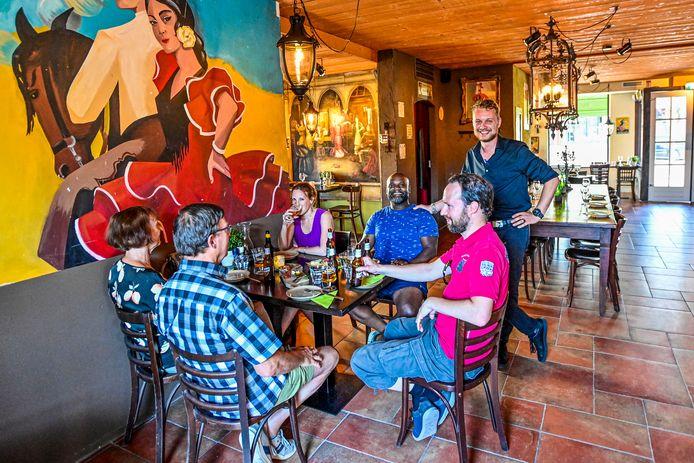 Restaurant Me Gusta kreeg vorig jaar te maken met een fikse brand. Vorige week zijn ze eindelijk weer opengegaan.