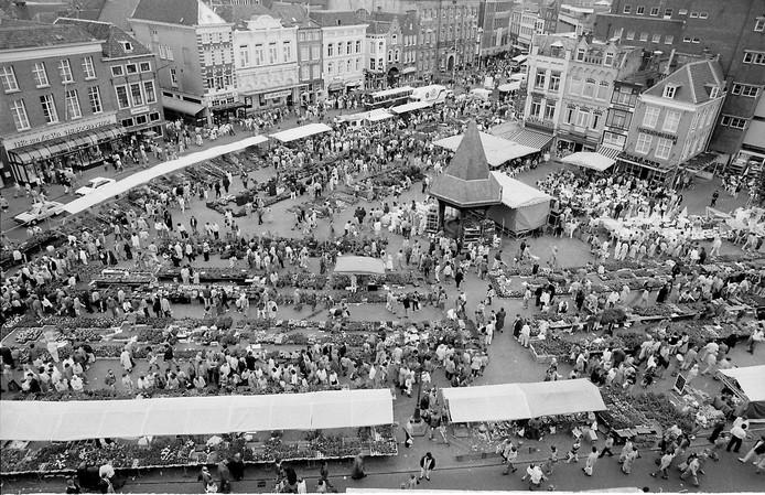 Overzicht van de Geraniummarkt in 1987.