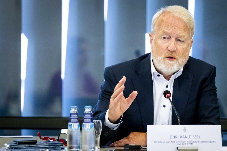 Jaap van Dissel, directeur van het Centrum voor Infectieziektebestrijding van het RIVM, tijdens een informatiebijeenkomst in de Tweede Kamer in juni. Beeld ANP