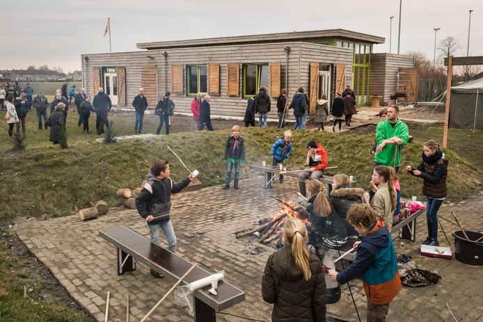 Opening van het nieuwe scouting gebouw in Lage Zwaluwe.