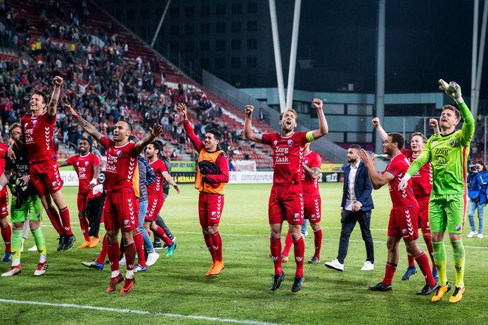 FC Utrecht heeft het geflikt: weer in de finale van de play-offs. In de halve finale tegen Heerenveen volstond een thuiszege van 2-1 na de uitnederlaag van 4-3 precies.