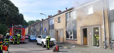 Uitslaande woningbrand aan Generaal Kockstraat in Tilburg snel meester, één gewonde