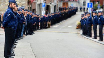 Honderden agenten uit het hele land vormen erehaag voor gedode collega in Spa