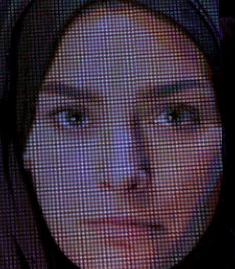 Charlie-Chan kruipt in de rol van kalifaatmeisje Laura H.: 'Hoe kon ze zó radicaliseren?'
