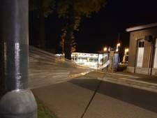 Hakenkruizen, doorzichtig folie en gespannen draden: jongeren terroriseren buurt rond station Vorden