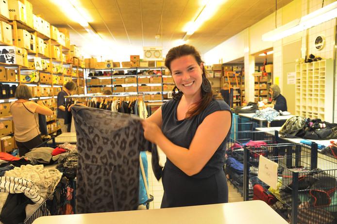 Susannah Koppejan, oprichtster van de Kledingbank Zeeland, pleit voor gezamenlijke huisvesting van organisaties voor armoedebestrijding in een 'sociaal warenhuis'.