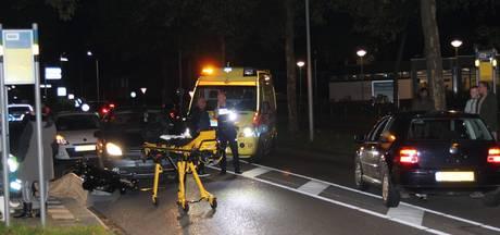 Scooterrijder gewond na botsing met auto in Tiel