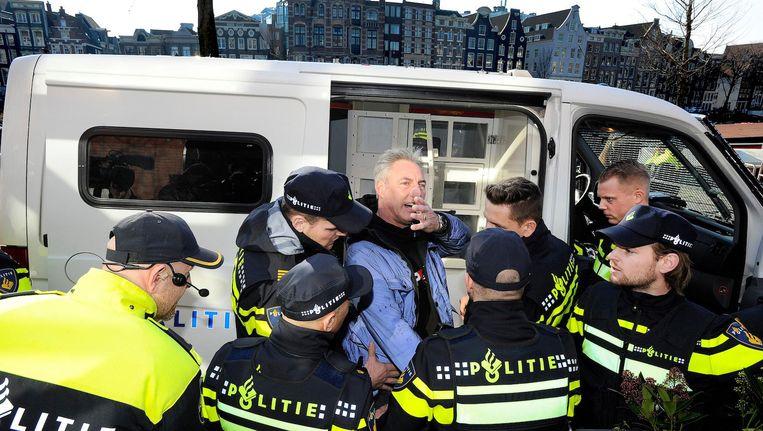 Bij het vorige bezoek van Pegida aan Amsterdam, ook op het Waterlooplein, werd Wagensveld aangehouden. Tijdens zijn toespraak had hij een hakenkruis getoond, terwijl hem dat op voorhand verboden was. Beeld anp