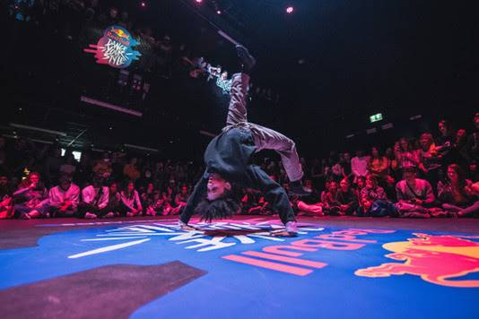 Shinshan tijdens de Nederlandse voorronde van de eerste editie van Red Bull Dance Your Style.