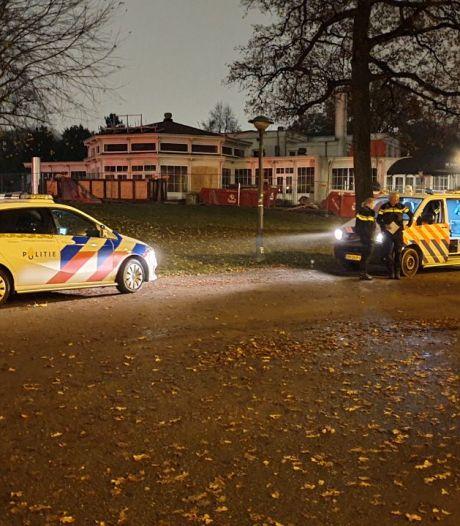 Poging tot beroving van een automobilist bij het Volkspark in Enschede, verdachten op de vlucht geslagen