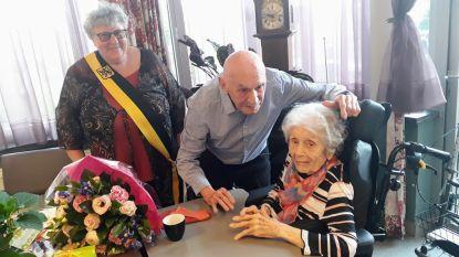 """Henriëtte (89) en Emiel (91) zijn 65 jaar getrouwd: """"We zouden mekaar niet kunnen missen"""""""