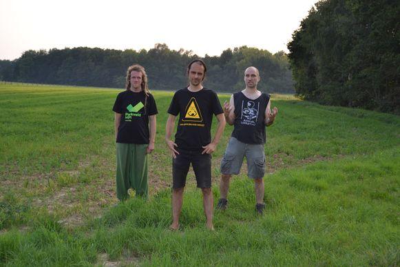 De Leuvense muziekgroep Donder, Hel & Hagel roept op om te stoppen met hamsteren tijdens de corona-epidemie.