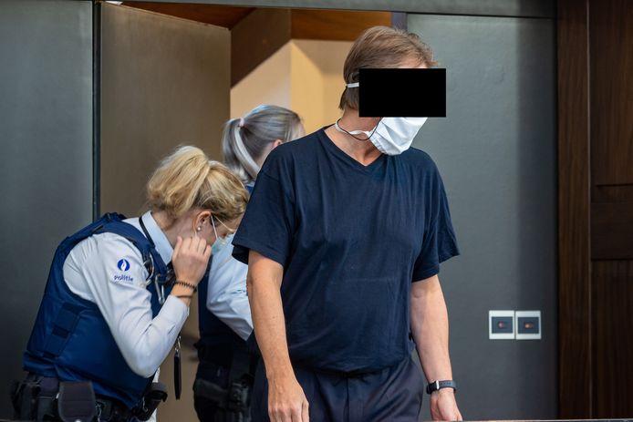 William De Bondt staat in het Brugse assisenhof terecht voor moord op z'n vriendin Isabelle Deschodt.