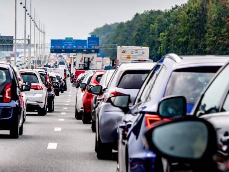 Urenlang opnieuw chaos op A12: weg weer vrij, vertraging neemt af