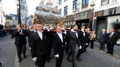 Massa volk voor historische Sint-Gummarusprocessie
