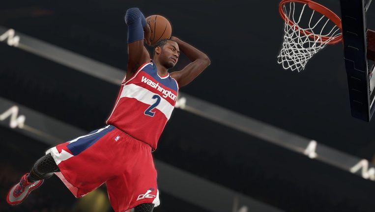 Slam! Dunk! He scores! Basketbal kan zo eenvoudig zijn in NBA 2K16. Beeld Visual Concepts