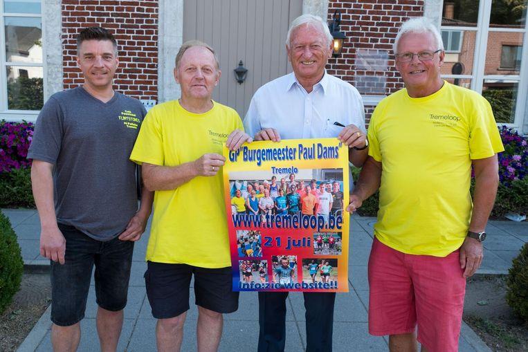 De 'vier Pollekes' - Paul Mergaerts, Paul Winnepenninckx, burgemeester Paul Dams en Paul Van Roosendael - stellen de vierde editie Tremeloop GP Paul Dams voor.
