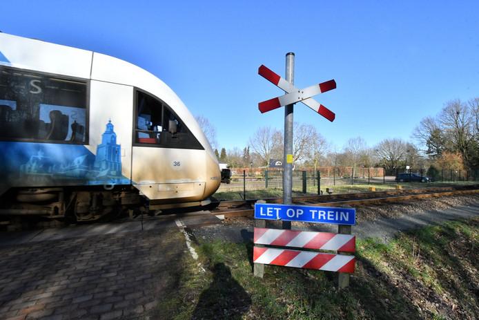 Onbewaakte spoorwegovergang Waterhoeksweg/Heijinksweg in Goor.