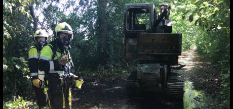 Graafmachine in brand in Heeswijk-Dinther