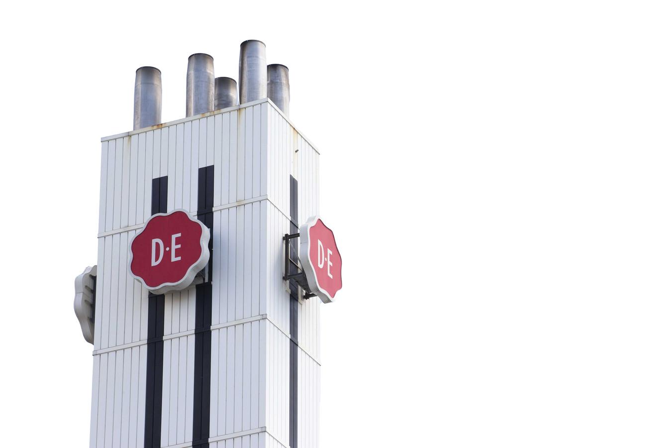 Het logo van Douwe Egberts. Moederbedrijf JDE Peet's gaat eerder naar de Amsterdamse beurs dan gepland, vanwege de grote interesse van beleggers.