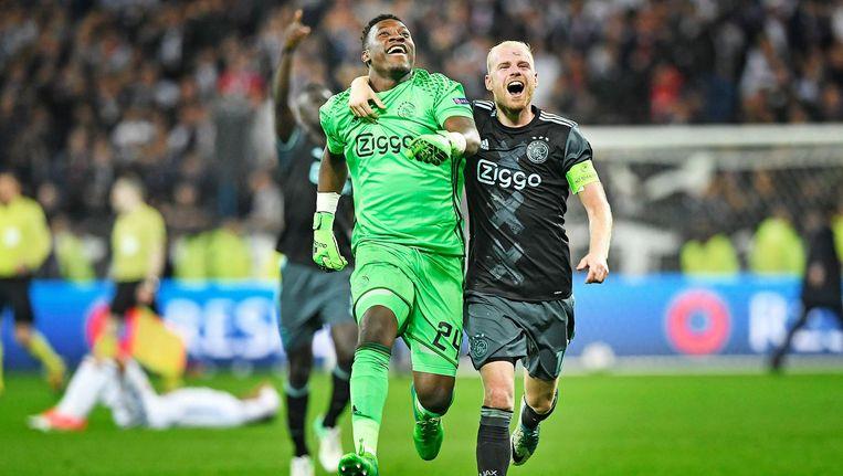 Ajax-keeper Onana en aanvoerder Klaassen. Beeld Guus Dubbelman