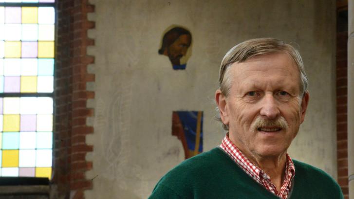 Jarige Jozefkerk in Enschede laat muurschilderingen restaureren als cadeau