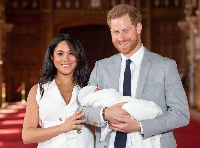 Le 8 mai 2019, ils présentent Archie.