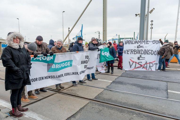 Actievoerders hebben eerder al de Visartsluis bezet.