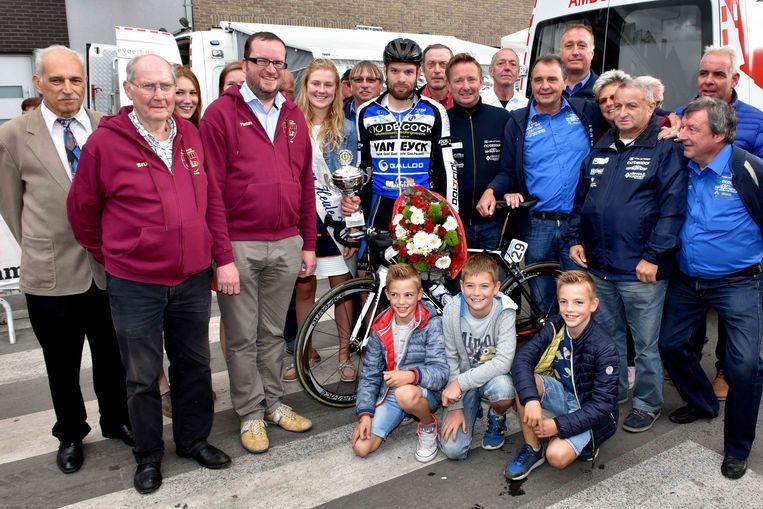 Joren Touquet was in 2017 de snelste in Heule. Hij haalde het in de spurt.