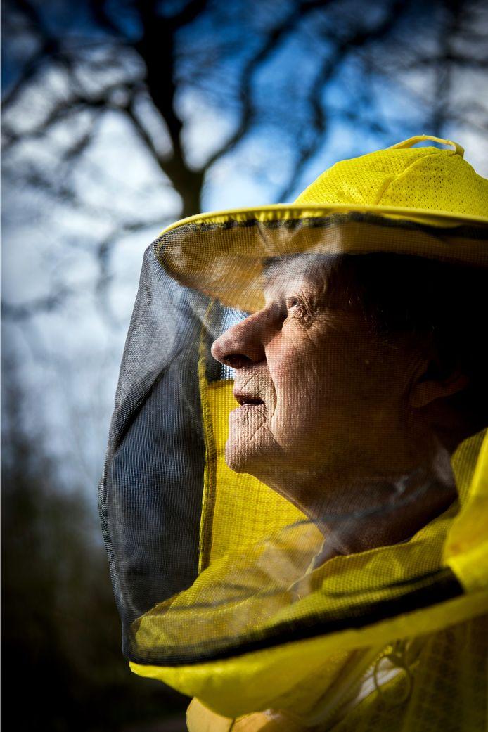 Imker Dorus Liefting: Mobiele straling is slecht voor bijen