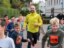 Erben rent met leerlingen om scholen in de Overbetuwe: 'Elke dag een kwartiertje rennen'