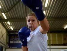 Zilver zonder te pieken voor Roosendaalse boksster Chelsey Heijnen