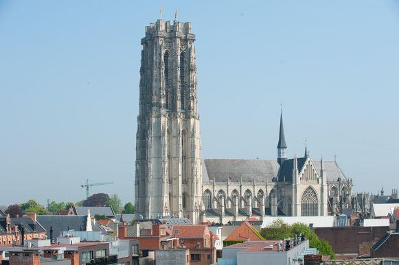 De Sint-Romboutskathedraal vanop Lamot.