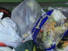 Schouwen schaft extra containers aan voor inzamelen plasticafval