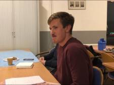 Gouwenaar Lukas (20) kan een knap kunstje met zijn tong, hij haalt er zelfs een wereldrecord mee