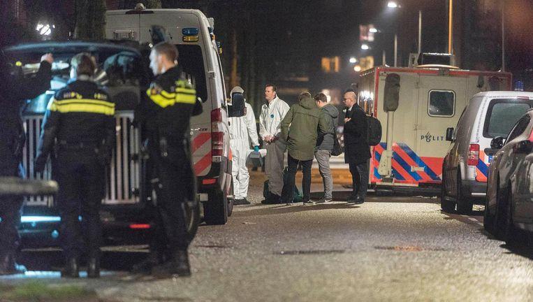 De politie sloot vorige week de omgeving van de Grote Wittenburgerstraat af Beeld anp