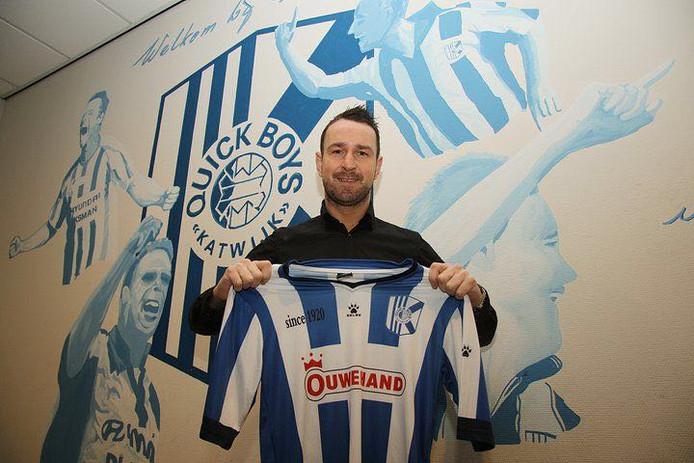 Vlatko Lazic met het shirt van zijn vorige club Quick Boys.