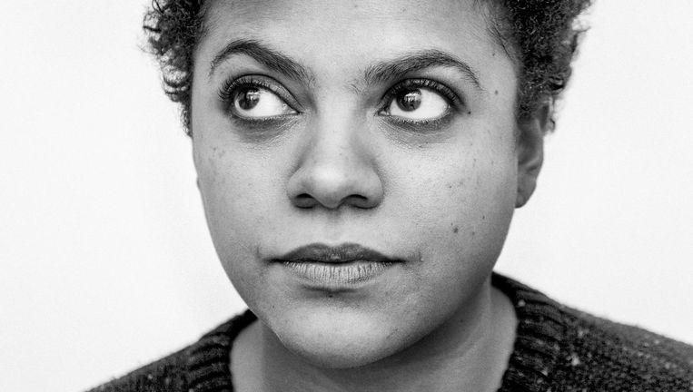 Radna Fabias: 'Soms hoor ik zwarte mensen tegen witte mensen praten op een manier die ze zelf nooit zouden accepteren.' Beeld Casper Kofi