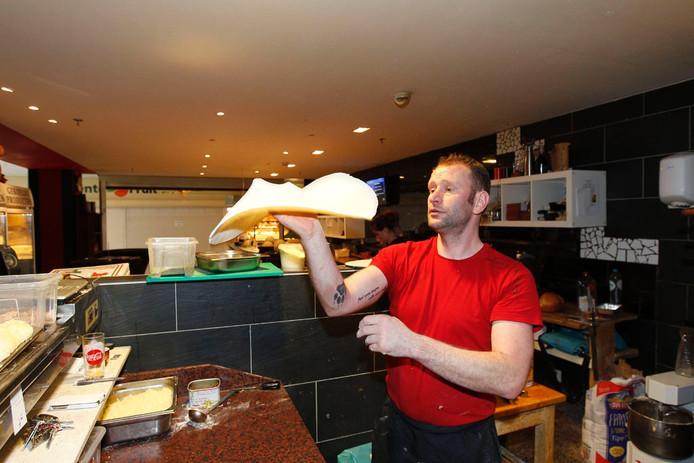 Johns Kitchen Nuenen.24 Uur Pizza Bakken Voor Goed Doel Nuenen Ed Nl