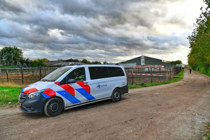 De politie ontdekt een drugslab in een loods in Eersel.