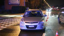17-jarige voetganger gegrepen door wagen op oversteekplaats: slachtoffer in levensgevaar