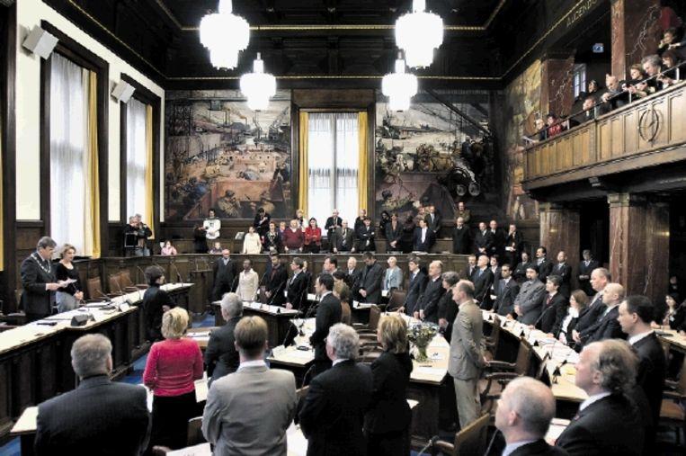 Maart 2006. Burgemeester Opstelten van Rotterdam beëdigt de gemeenteraad. Volgend jaar zullen er geen PVV-raadsleden worden geïnstalleerd. Wilders doet alleen in Almere en Den Haag mee. (FOTO WERRY CRONE, TROUW) Beeld