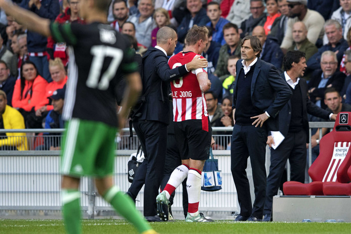 Luuk de Jong is voorlopig uitgeschakeld bij PSV.