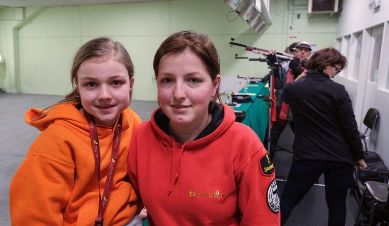Elise met haar trainster Emmely Ramaut uit Lendelede, die zelf al drie keer Belgisch kampioene bij de junioren werd.